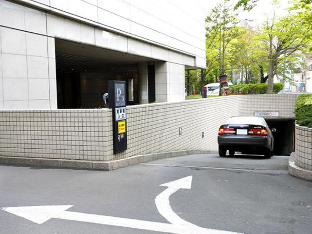 駐車場入り口_1200-900