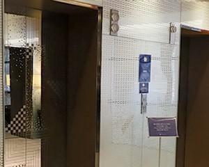 10-エレベーター、喫煙所